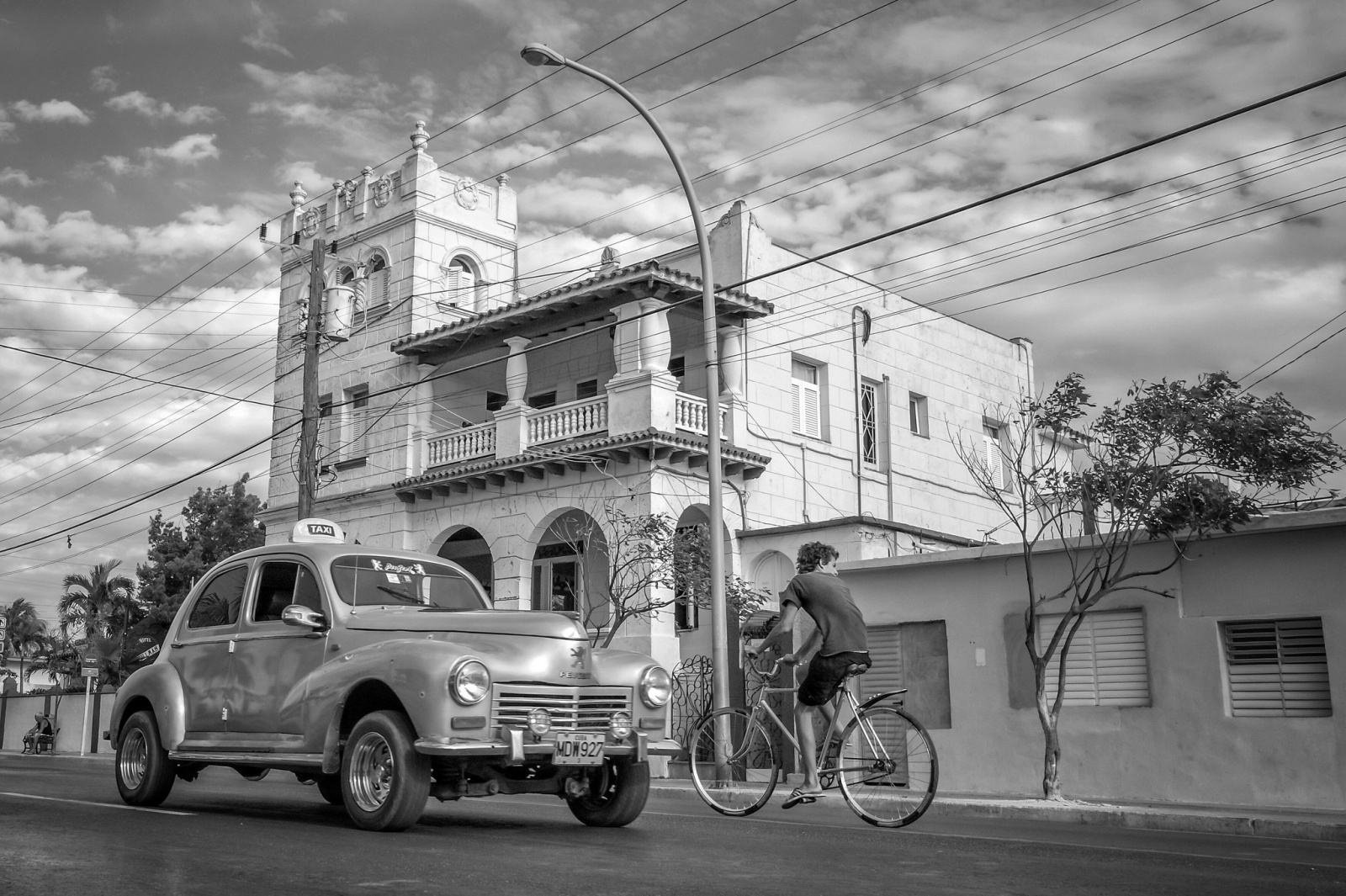 Black and white Cuban Taxi