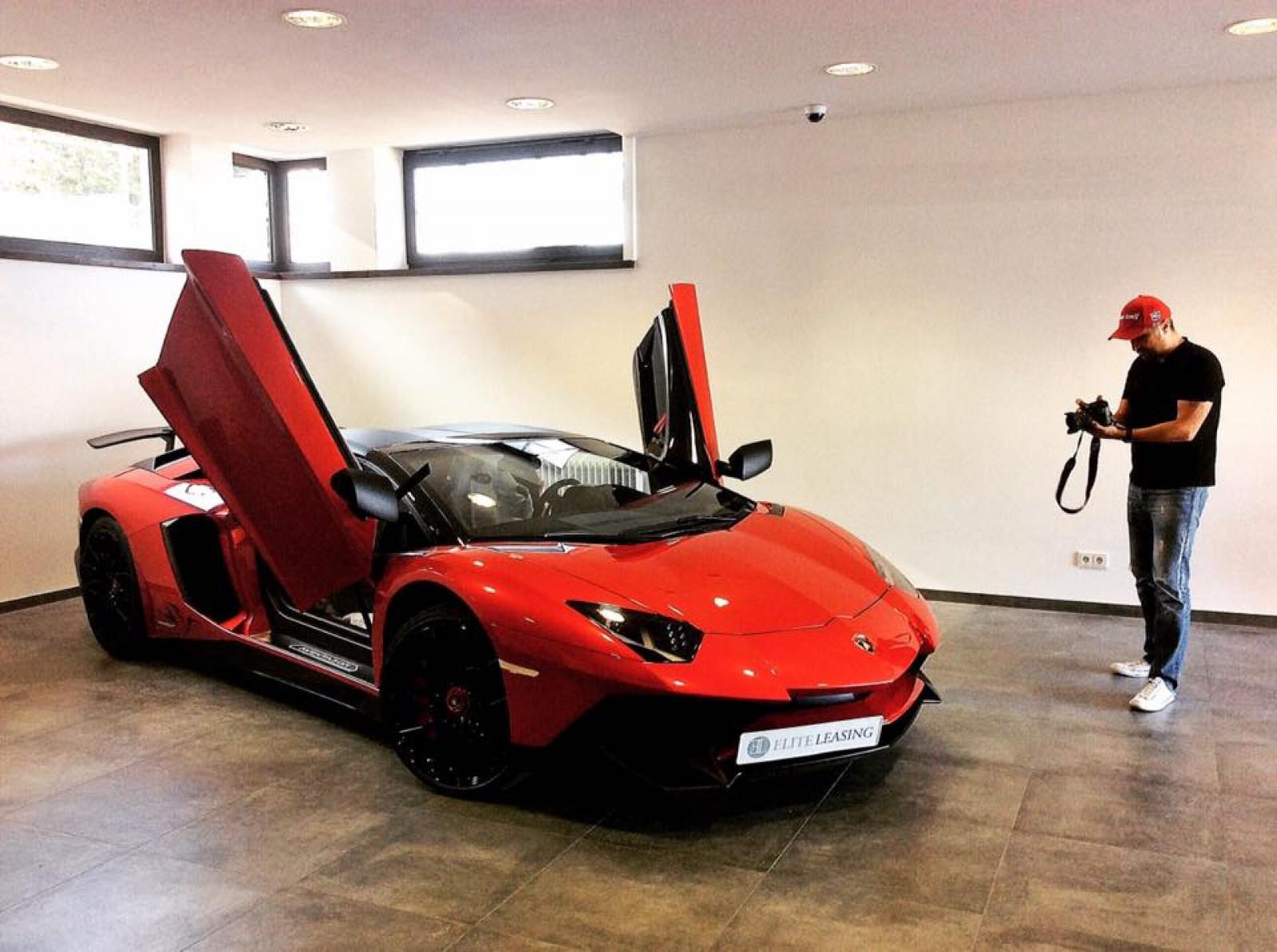 Red Lamborghini Aventador