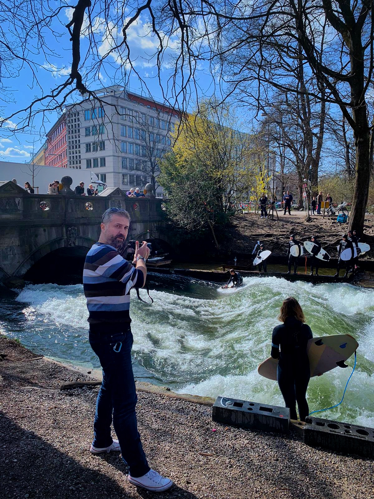 Eisbach Surfers.